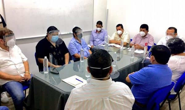 Atiende Presidente Noé Ramírez peticiones de comerciantes de la ciudad