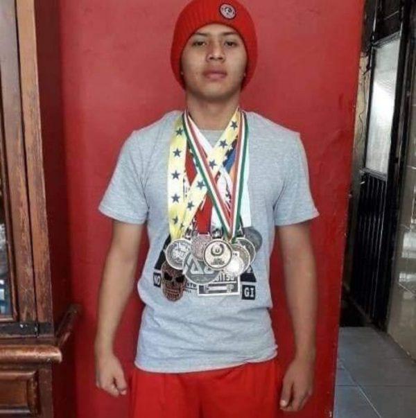 Exigen Justicia familiares de joven deportista Oaxaqueño asesinado