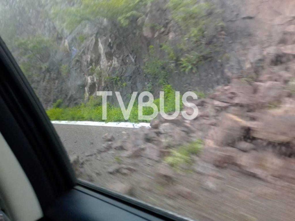 Lluvias provocan derrumbes en varias carreteras de Oaxaca