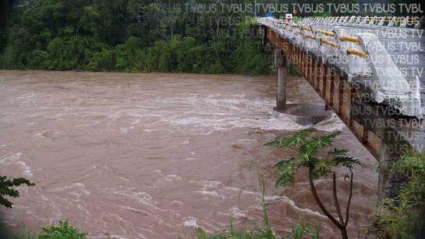 Sigue Río Valle Nacional incrementando de nivel, PC pide ciudadanos tomar precauciones
