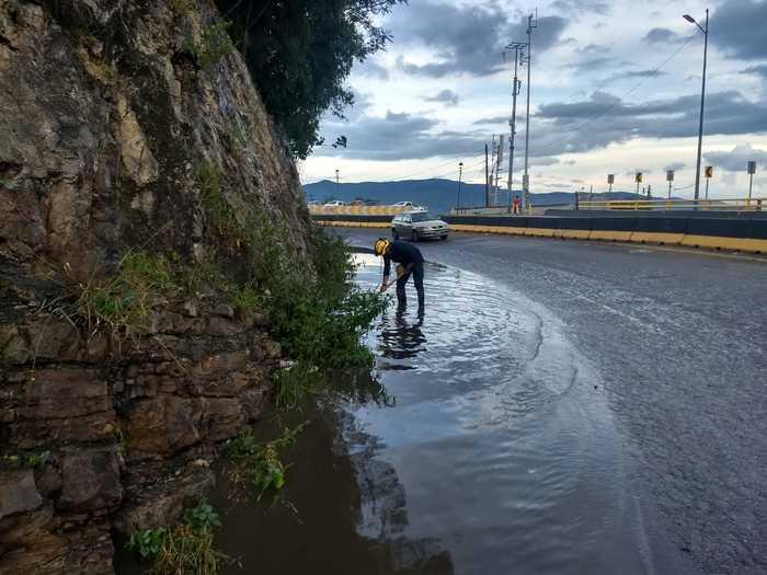 Atiende Protección Civil de Oaxaca de Juárez afectaciones por lluvia