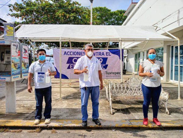 Con módulo sanitario Gobierno de Tuxtepec promueve medidas de prevención contra  el Covid-19