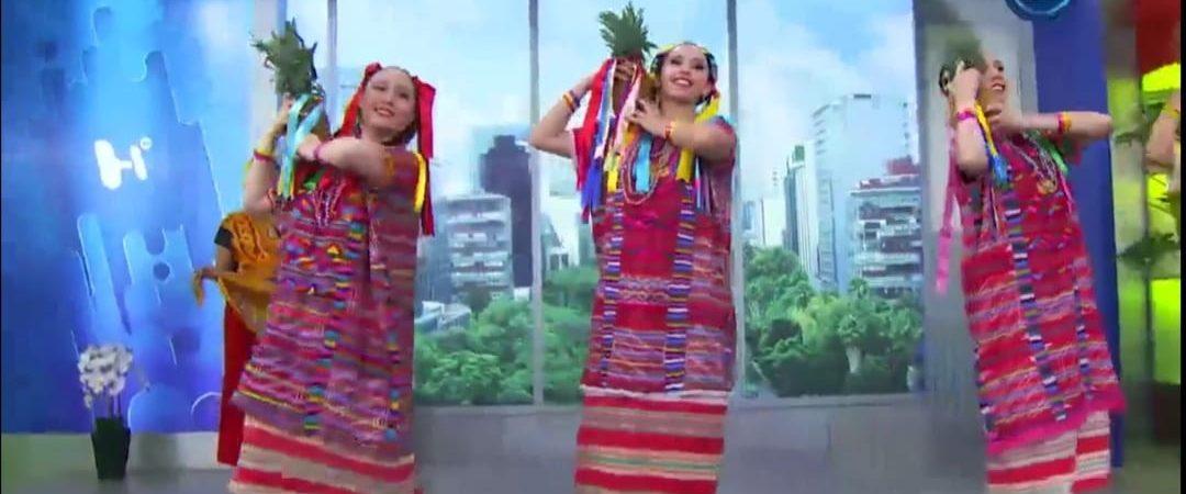 Distorsionan bailes de Guelaguetza y los presentan en televisión