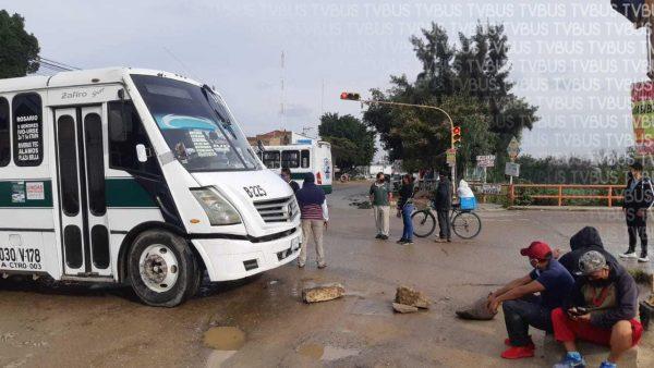 Habitantes de Montoya y San Martín Mexicapan amplían bloqueos en Oaxaca