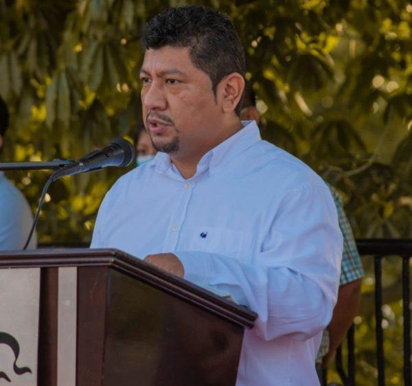 Noé Ramírez reconoce el esfuerzo de médicos y trabajadores de la salud