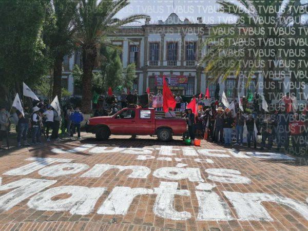 Organizaciones se manifiestan en la Fiscalía de Oaxaca, piden renuncia del fiscal