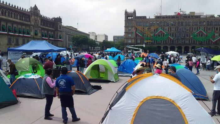 A cinco días del Grito, instala CNTE plantón en el Zócalo
