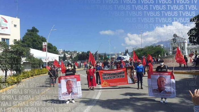 Sol Rojo se moviliza en Oaxaca, exigen solución a sus demandas