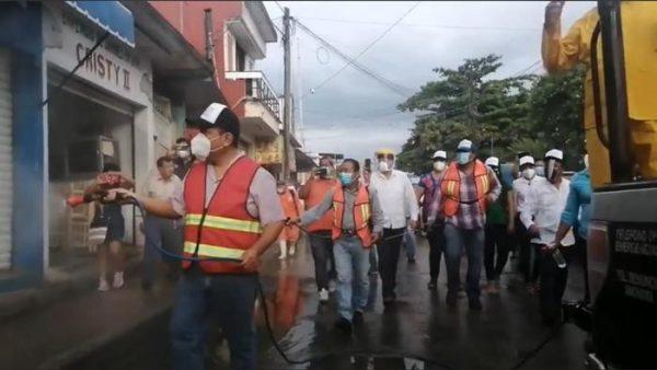 """Llama Presidente a Tuxtepecanos, no confiarse y reitera """"estamos en semáforo naranja"""""""