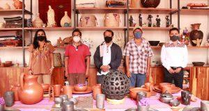 Entrega IOA y BanOaxaca créditos a artesanos oaxaqueños