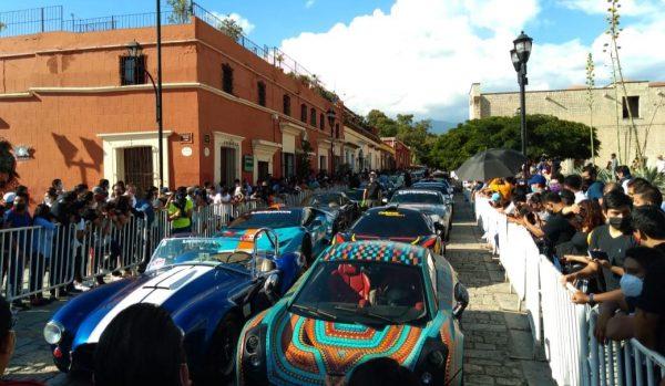 A una semana de exhibición de autos, ayuntamiento de Oaxaca dice que no dio permisos