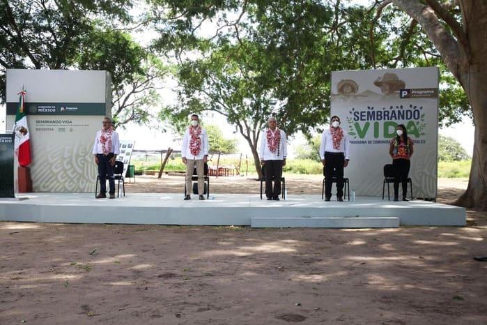 """El Gobierno del Estado y la Federación reafirman alianza para seguir """"Sembrando Vida"""" en Oaxaca"""
