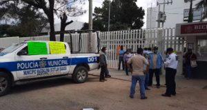 Autoridades de Magdalena Ocotlán exigen liberación de obras; bloquearon oficinas de bienestar en Oaxaca