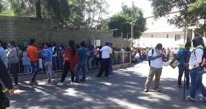 Familiares de presos de Ixcotel protestan por traslado,
