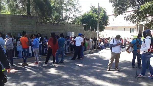 """Familiares de presos de Ixcotel protestan por traslado, """"nadie nos avisó"""" denuncian"""
