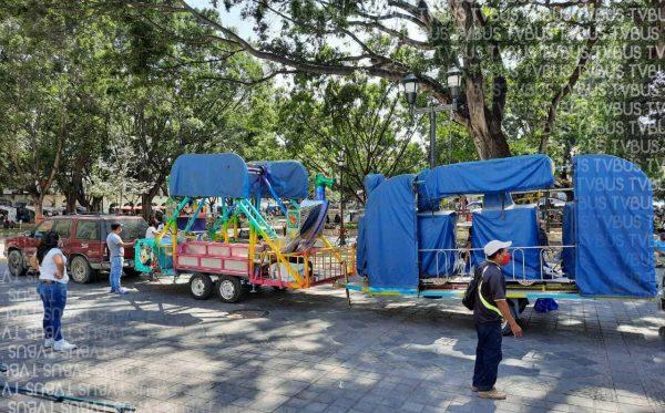 Ferieros se vuelven a instalar en zócalo de Oaxaca, siguen sin ser apoyados