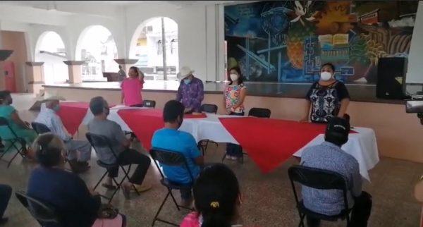 Tras afectaciones por lluvias, entregan apoyos a productores de Loma Bonita