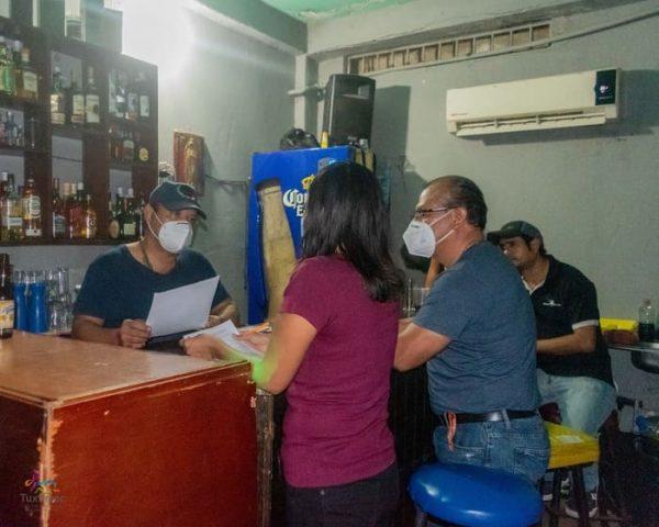 Gobierno Municipal realiza operativo Covid en bares y cantinas de Tuxtepec