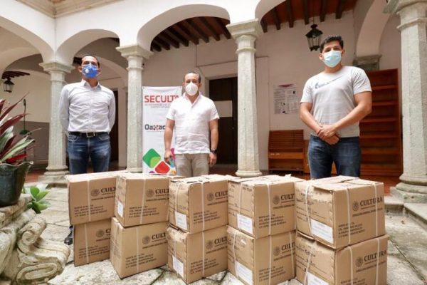 Entrega Seculta acervo bibliográfico para bibliotecas comunitarias de Putla Villa de Guerrero
