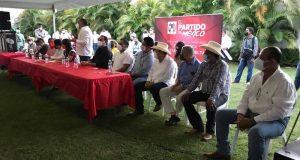 Ahora fueron los Priistas;  en plena contingencia realizaron una asamblea en Tuxtepec