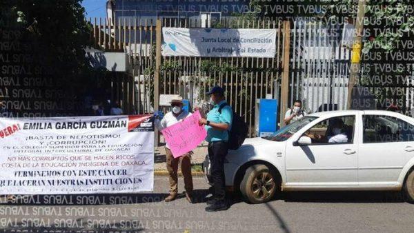 Trabajadores del CSEIIO, marchan a la JLCA, demandan aumento salarial digno