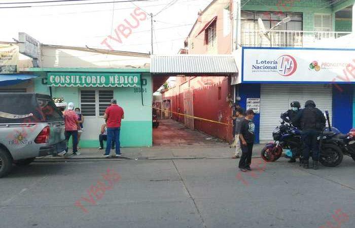 Encuentran muerto a taquero dentro de su domicilio, en pleno centro de Tuxtepec