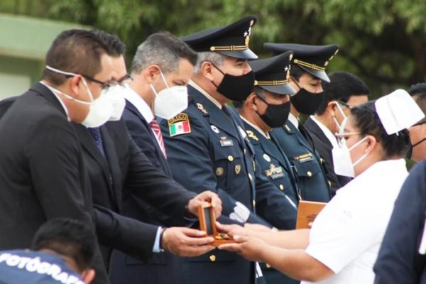 Reconoce AMH a los héroes mexicanos de bata blanca por su loable compromiso con la seguridad de Oaxaca