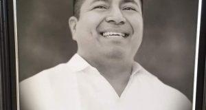 Develan Fotografía del ex Presidente Fernando Bautista Dávila