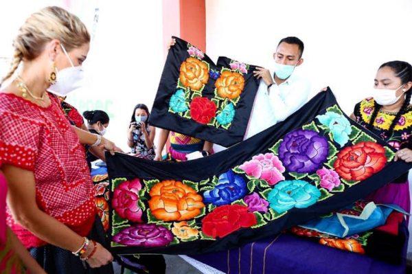 Las y los artesanos son el tesoro de Oaxaca, son cultura viva en su máxima expresión: Ivette Morán de Murat