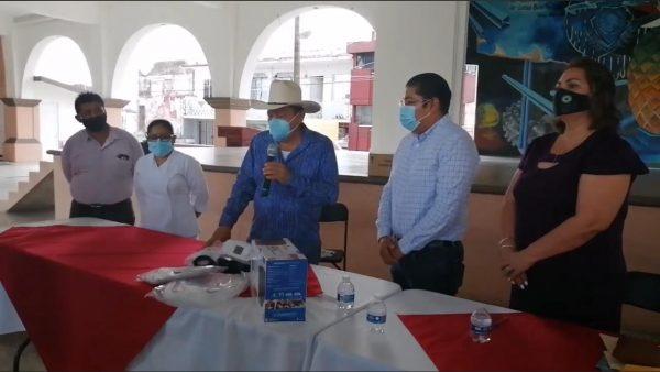 Entregan dos ventiladores para atender pacientes covid en Loma Bonita