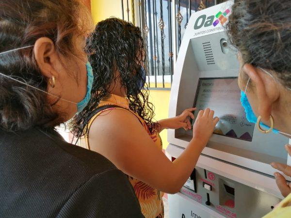 Gobierno del estado, instala cajeros para actas de nacimiento en Acatlán