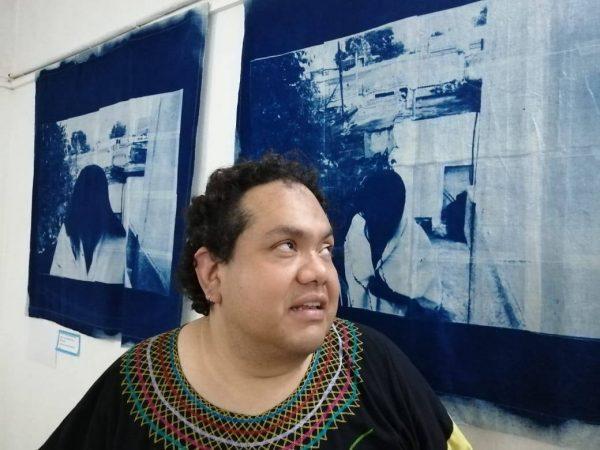 """Presenta artista oaxaqueño Pedro Miranda el """"Manual del discapacitado perfecto"""""""