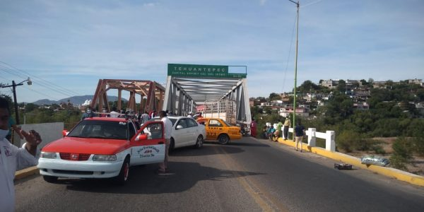 Se cumplen 72 hrs continuas de bloqueo en carreteras del Istmo