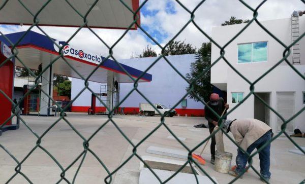 """Vecinos de """"La noria"""" y """"Trinidad de las Huertas"""" se inconforman por instalación de gasolinera, denuncian tráfico de influencias"""