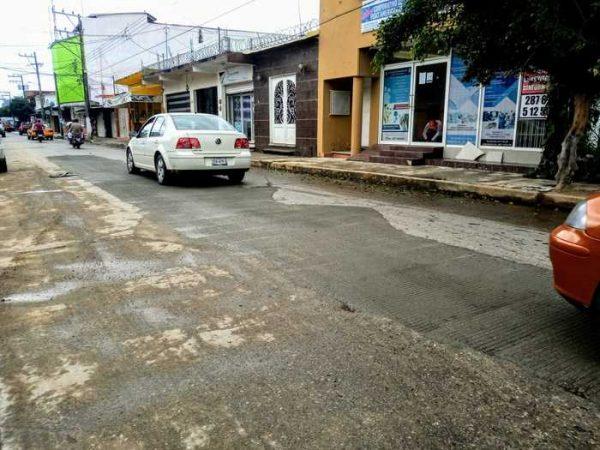 Tras concluir reposición de losas, abren a la circulación la avenida 5 de Mayo en Tuxtepec