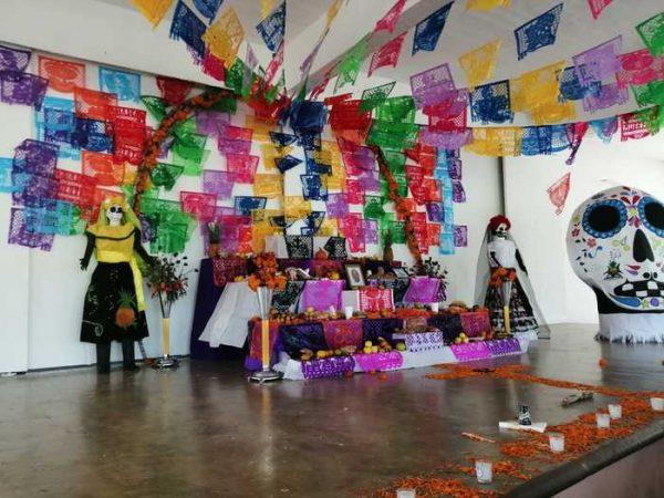 Realizan el 1er concurso virtual de altares, catrinas y calaveritas en Loma Bonita