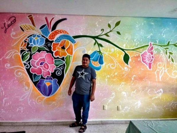 """Entregan reconocimiento al pintor chiltepecano Lauro Jesús Apolinar, por obra """"Identidad"""""""