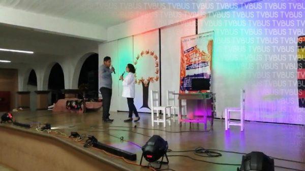 Con representación teatral, en Loma Bonita piden a las mujeres denunciar violencia