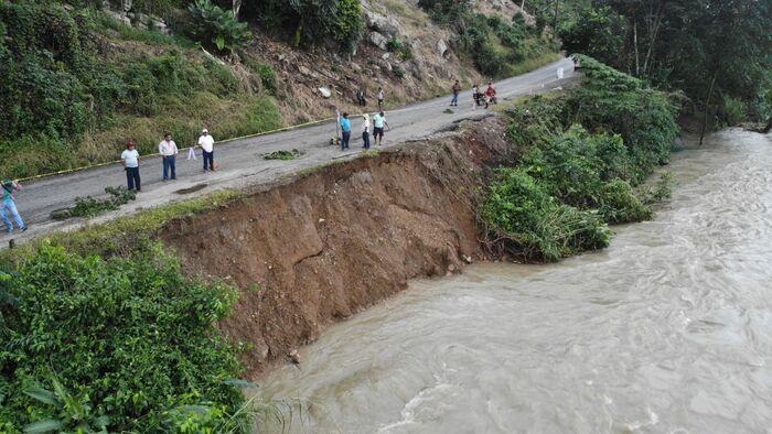 Se desborda Río Cajonos, afecta varios municipios de la Cuenca
