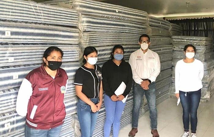Entrega IEEPO mobiliario a Escuela Normal Rural Vanguardia de Tamazulapam