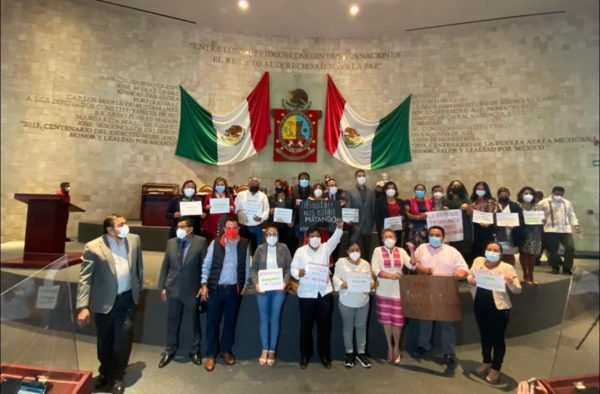 Diputados protestan por incremento de feminicidios