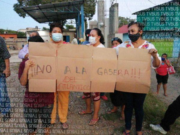 En Tuxtepec, vecinos de la colonia las Limas se manifiestan contra gasera
