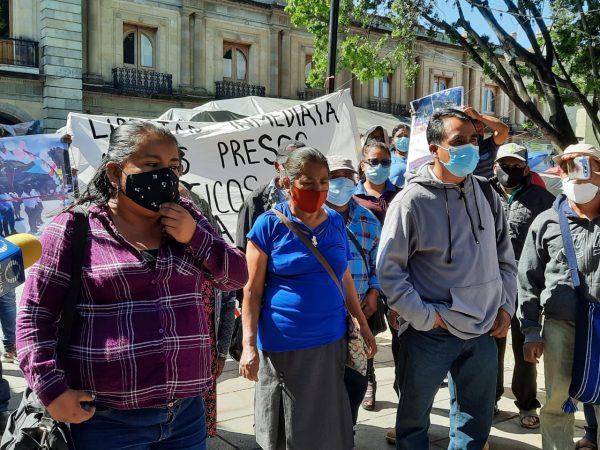 Habitantes de San Baltazar Loxicha exigen salida de Flavio Sosa, ha robado al municipio denuncian