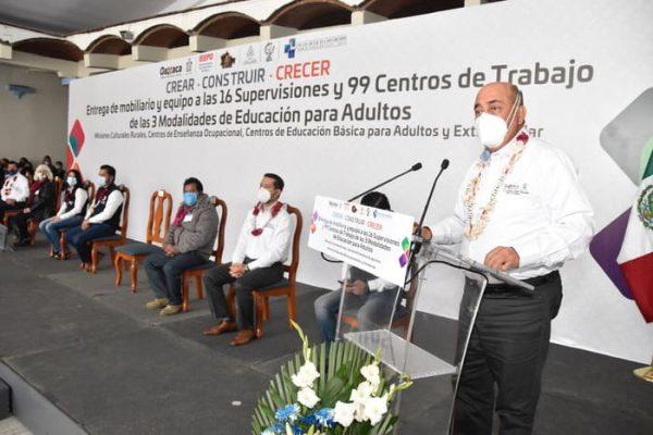 Mejora IEEPO condiciones de 16 supervisiones y 99 Centros de Trabajo con inversión de 5 mdp