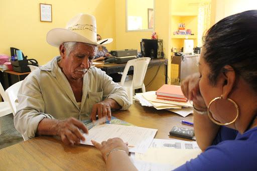 Retoma INAPAM entrega de tarjetas a adultos mayores en la Cuenca