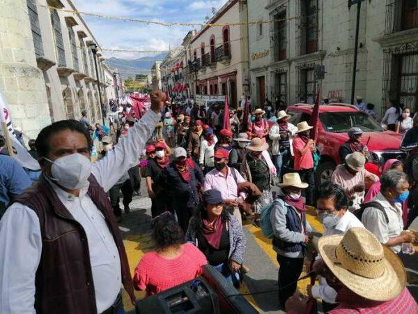 A pesar de pandemia MULT, MTO y FALP organizan marcha masiva en Oaxaca