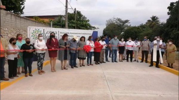 Siguen entregando obras en Loma Bonita; van 9 en los últimos días