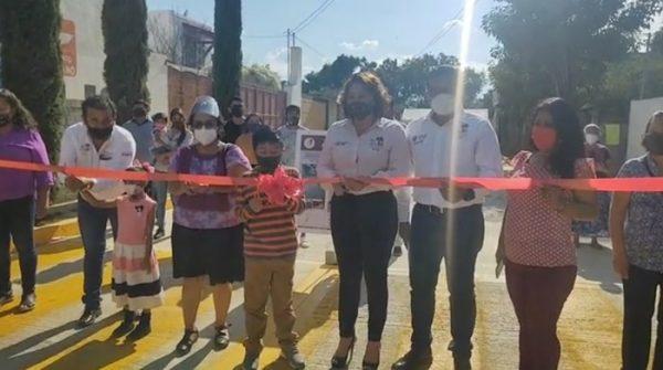 Inauguran pavimentación en la colonia Nuevo México de San Jacinto Amilpas