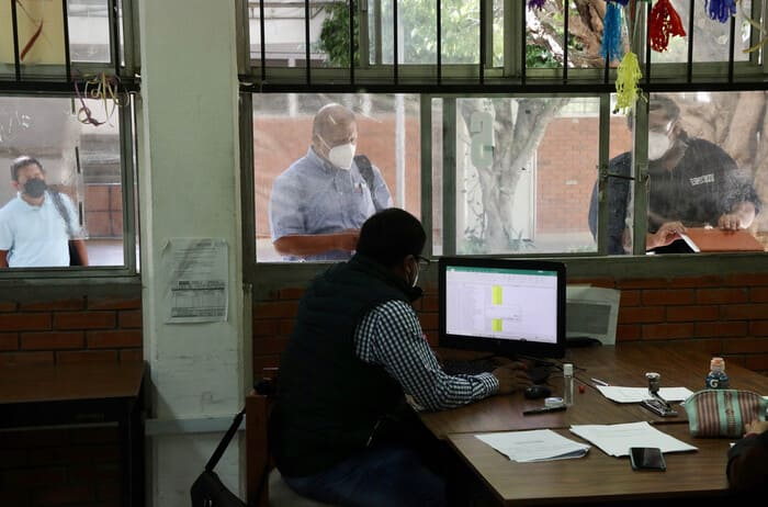 Realiza IEEPO pago único de incidencias administrativas a trabajadores de Secundarias Técnicas