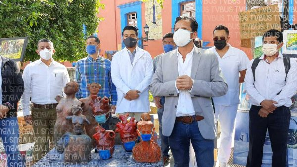 Artistas regalan obras de arte a médicos que luchan contra el Covid